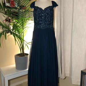 NWT Jj'shouse navy blue gown